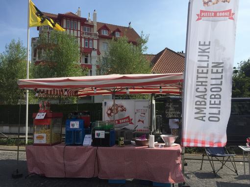 oliebollen, West-Vlaanderen, Oostende, kust, popcorn, oliebollenkraam, food truck, markt, slush, glühwein, lolly, snoep, communie, lentefeest, feest, jaarmarkt, ambachtelijk